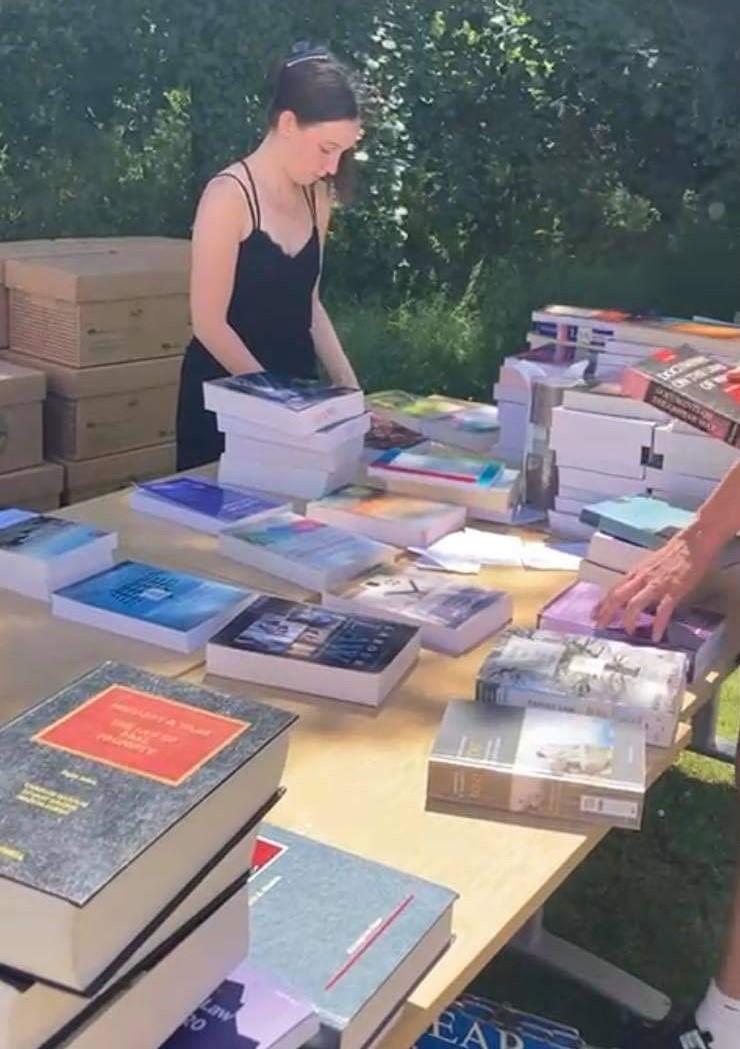 Pro bono books